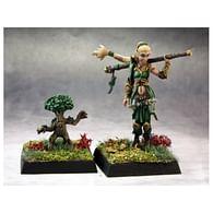 Figurka druidky a jejího pomocníka